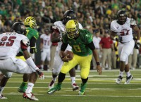 Mariota, Ducks win opener vs. Arkansas State