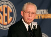 SEC commissioner Slive takes aim at NCAA
