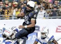 Reynolds leads Navy to bowl victory