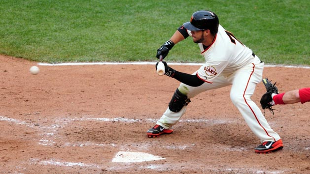 Giants take 2-1 NLCS lead on throwing error in 10th