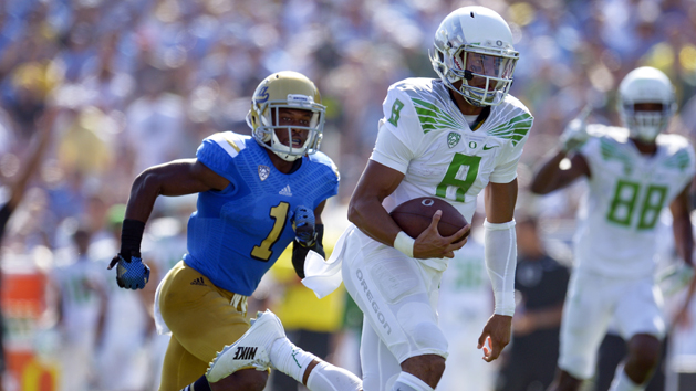 Oregon dominates UCLA to get back in win column