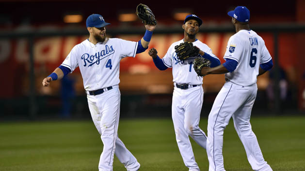 Royals win Game 3, one win shy of World Series