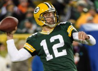 Rodgers throws six first-half TDs in rout of Bears