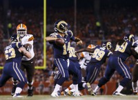 Rams bench Davis, Hill to start vs. Broncos