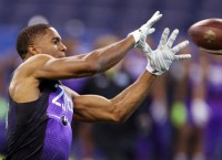 Jones' broad jump sets world record at NFL Combine
