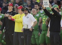 CFB Notes: Oregon's Helfrich gets five-year extension