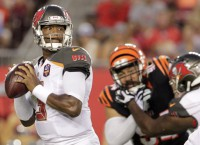 Winston, Martin leads Buccaneers to 25-11 win