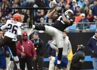 Panthers WR Benjamin injures left knee