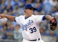 Royals' Medlen shines in first start since 2013