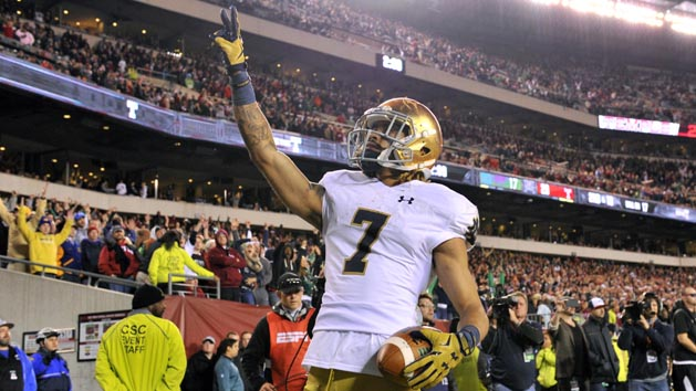 No. 9 Notre Dame scores late to edge No. 21 Temple