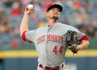 Cardinals, RHP Leake agree to deal