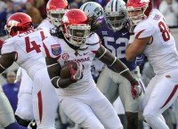 Arkansas uses size, physicality to blow out K-State