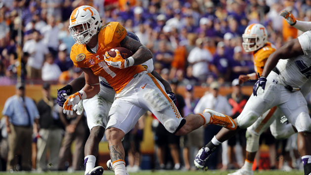 Play of Hurd, Vols' D lead to rout of Northwestern