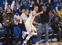Warriors await MRI results on Curry's injured knee