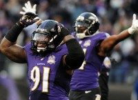 Falcons experiment with Upshaw on D-line