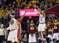 Cavaliers rout Hawks behind NBA record 25 3s