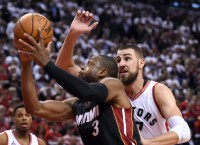 Heat loses lead, finishes strong in OT to go up 1-0