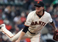 Slumping Peavy firmly remains in Giants' plans
