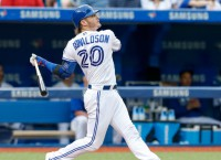 Donaldson's two homers power Jays past Sox