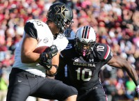 South Carolina LB Moore needs neck surgery