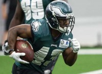 Eagles sign RB Sproles to one-year extension