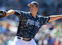 Red Sox acquire LHP Pomeranz from Padres
