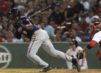 Giants acquire INF Nunez from Twins