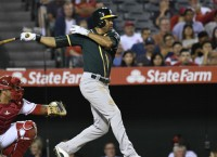 Indians complete trade to acquire Crisp from A's