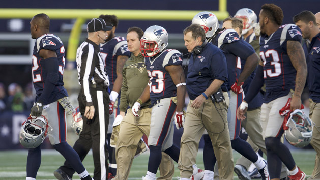 NFL Notebook: Pats' Lewis needs knee surgery again