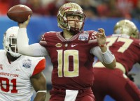 Florida State QB Maguire breaks bone in right foot
