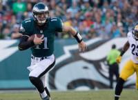 Eagles' Wentz, Broncos' Siemian lead weekly honors