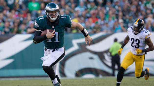 Eagles' Wentz, Broncos' Siemian lead weekly honors