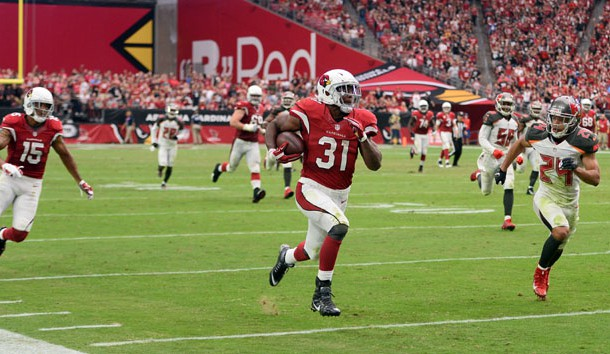 Sep 18, 2016; Glendale, AZ, USA; Arizona Cardinals running back David Johnson (31) runs with the ball against the Tampa Bay Buccaneers during the second half at University of Phoenix Stadium. The Cardinals won 40-7. Photo Credit: Joe Camporeale-USA TODAY Sports
