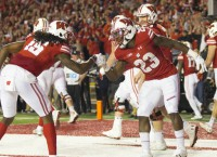 Ogunbowale helps Wisconsin edge Nebraska