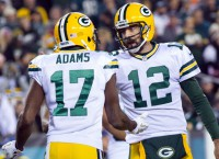 Rodgers tosses two TDs as Packers defeat Eagles