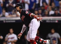 Indians don't make qualifying offers to Napoli, Davis