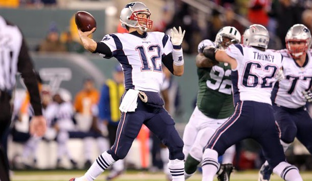 Brady ties Manning with 200th win, Patriots beat Jets 22-17