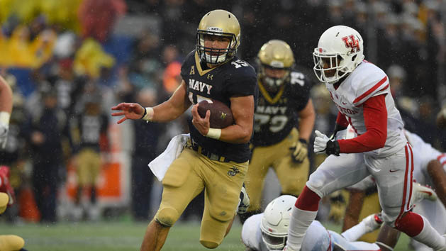 Run-oriented Navy, Temple clash in AAC title game