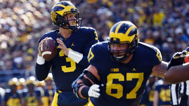 Michigan loses QB Speight to broken collarbone