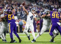Cowboys hold off Vikings for 11th win in row