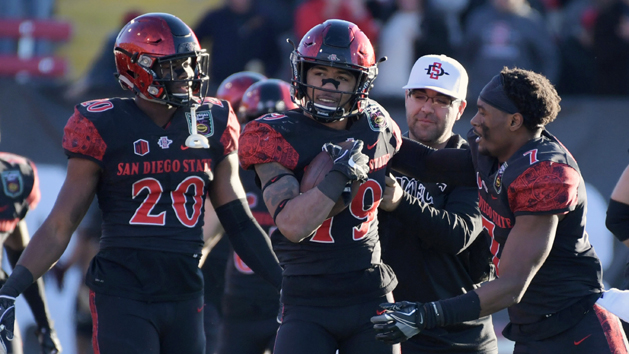 Pumphrey sets NCAA rushing mark in Aztecs romp