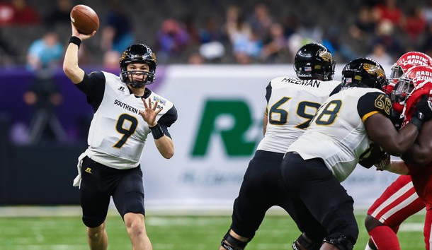 Dec 17, 2016; New Orleans, LA, USA; Southern Mississippi quarterback Nick Mullens (9) passes the ball downfield during the second quarter of the R&L Carriers New Orleans Bowl college football game at the Mercedes-Benz Superdome. Photo Credit: Stephen Lew-USA TODAY Sports