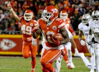 Chiefs KO Raiders, seize control of AFC West