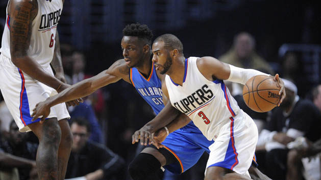 Clippers' Paul out 6-8 weeks with thumb injury