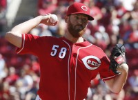 Marlins deal top prospect for Reds RHP Straily