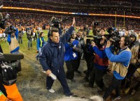 NFL Notes: Kubiak expected to retire, Johnson injured