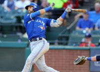 Bautista reaches deal with Blue Jays