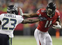 Falcons WR Jones being cautious with toe injury
