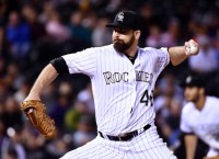 Indians sign reliever Logan to one-year deal
