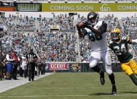 NFL Notebook: Miami acquires Thomas from Jags